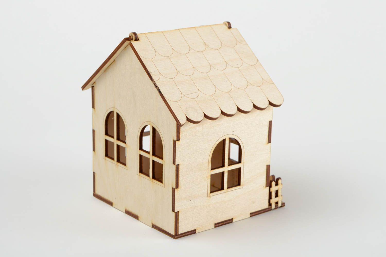 MADEHEART > Handmade Holz Schatulle Spielzeug Haus Figur zum Bemalen ...