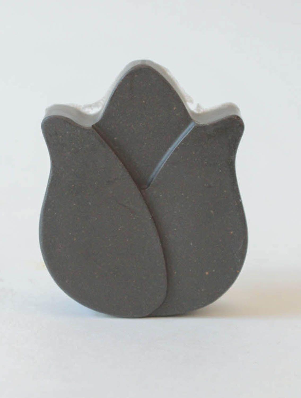 Anti inflammatory soap with black clay photo 3