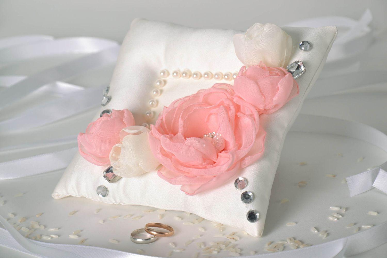 accesorios para boda Cojin para anillos - MADEheart.com
