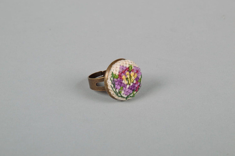 Круглое кольцо фото 3