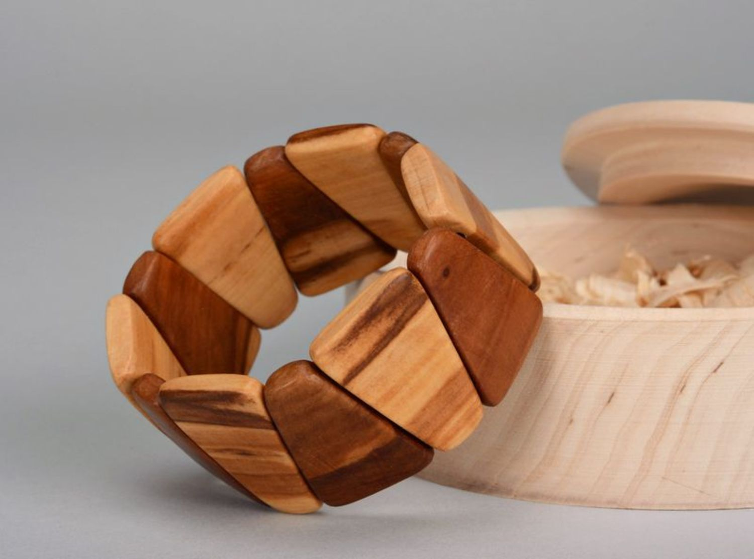 Wooden bracelet on elastic band Dark and Light-2
