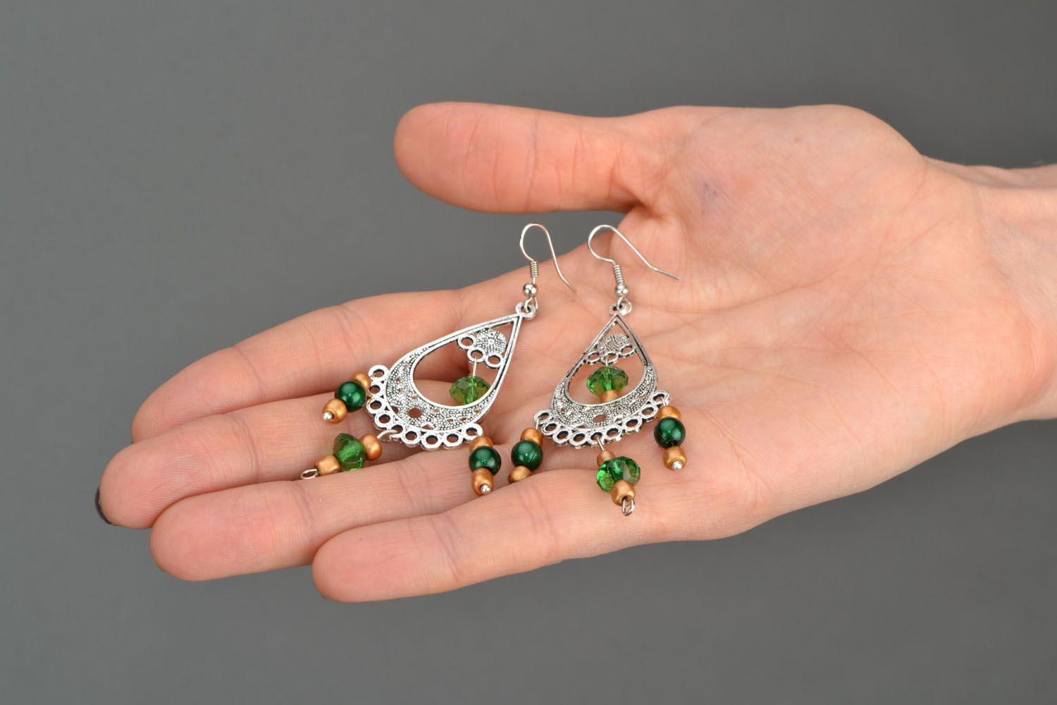 Long earrings in Eastern style photo 2