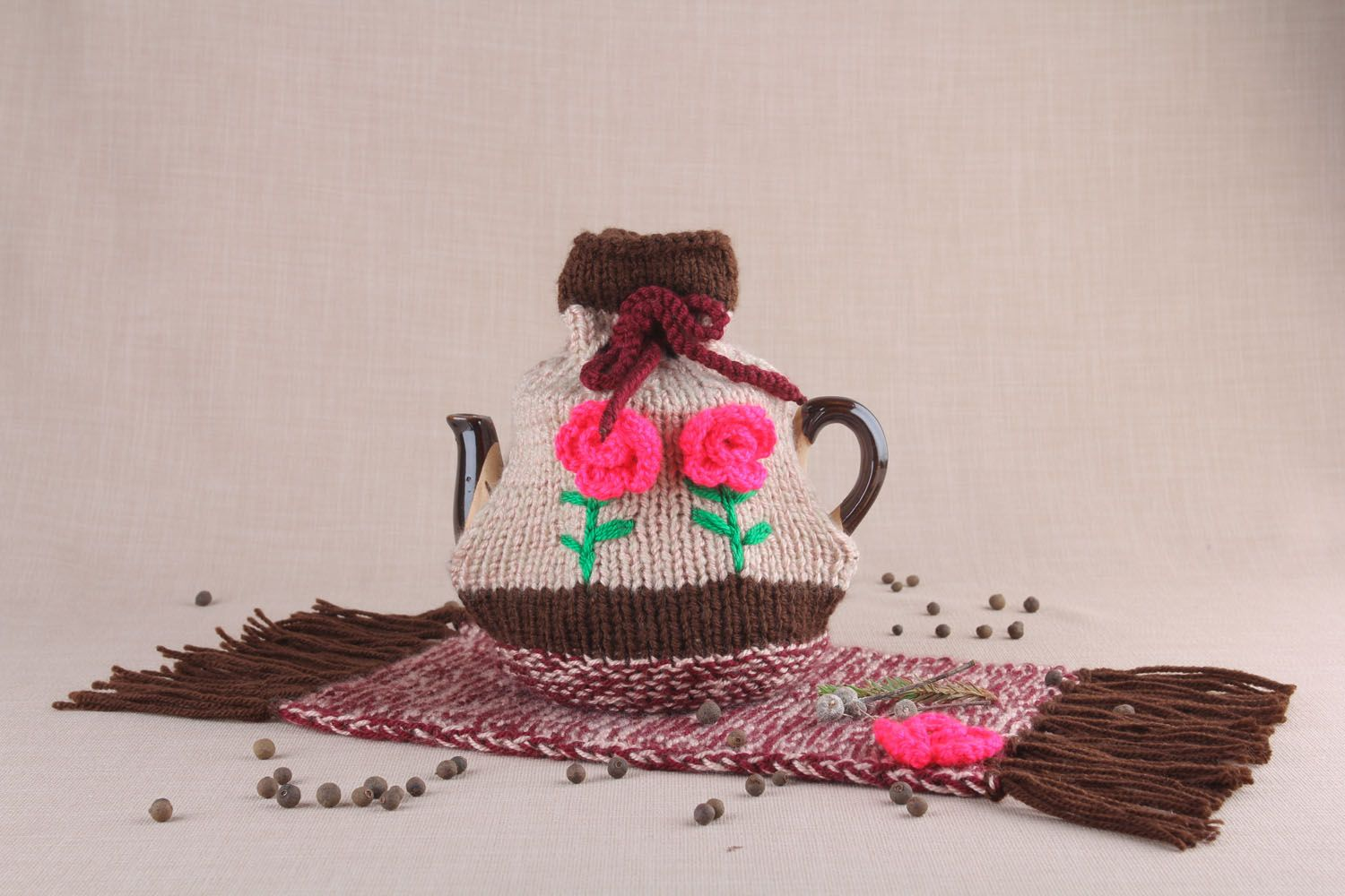 tea pots and coffee pots Teapot with knitted cozy - MADEheart.com