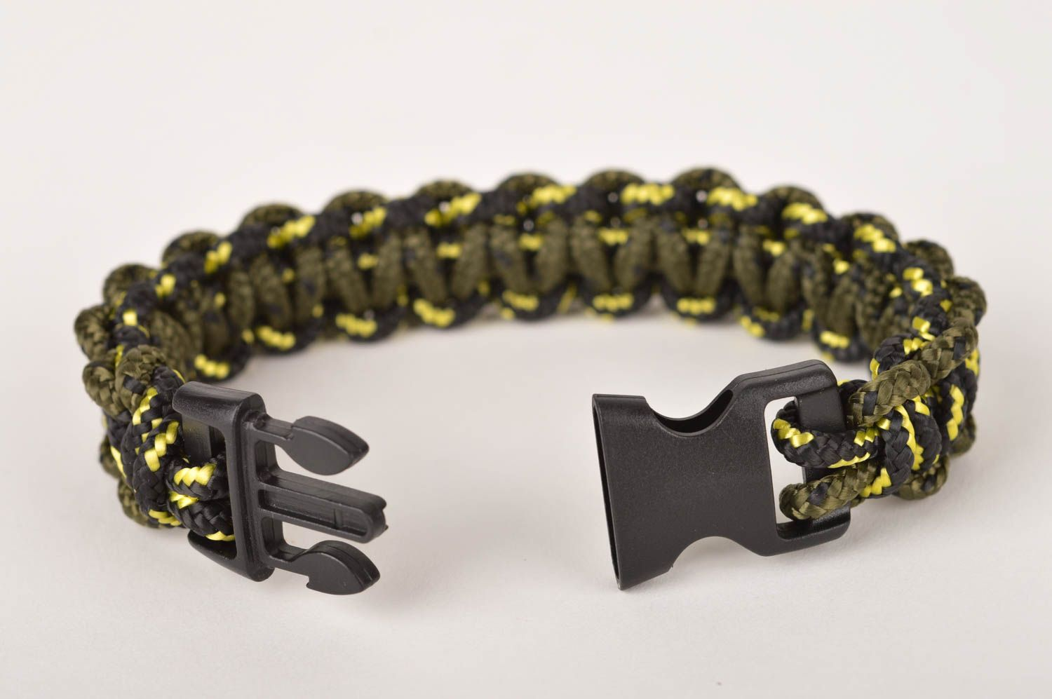 Stylish handmade bracelet designs unisex survival bracelet fashion trends photo 3