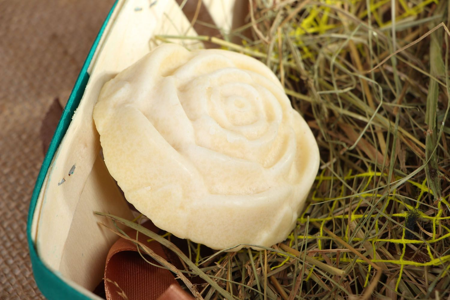 Plate-cream in the shape of rose photo 4