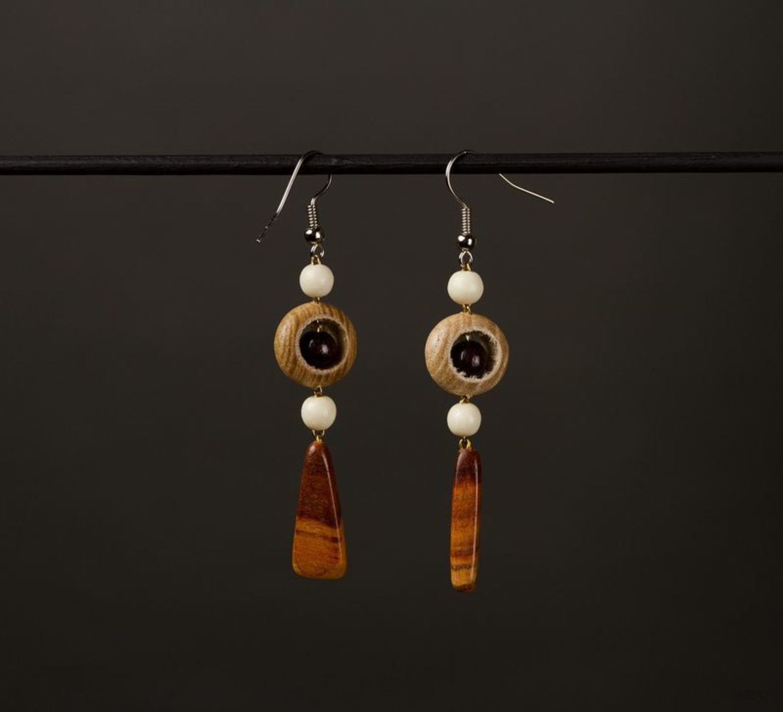 Wooden long earrings photo 1