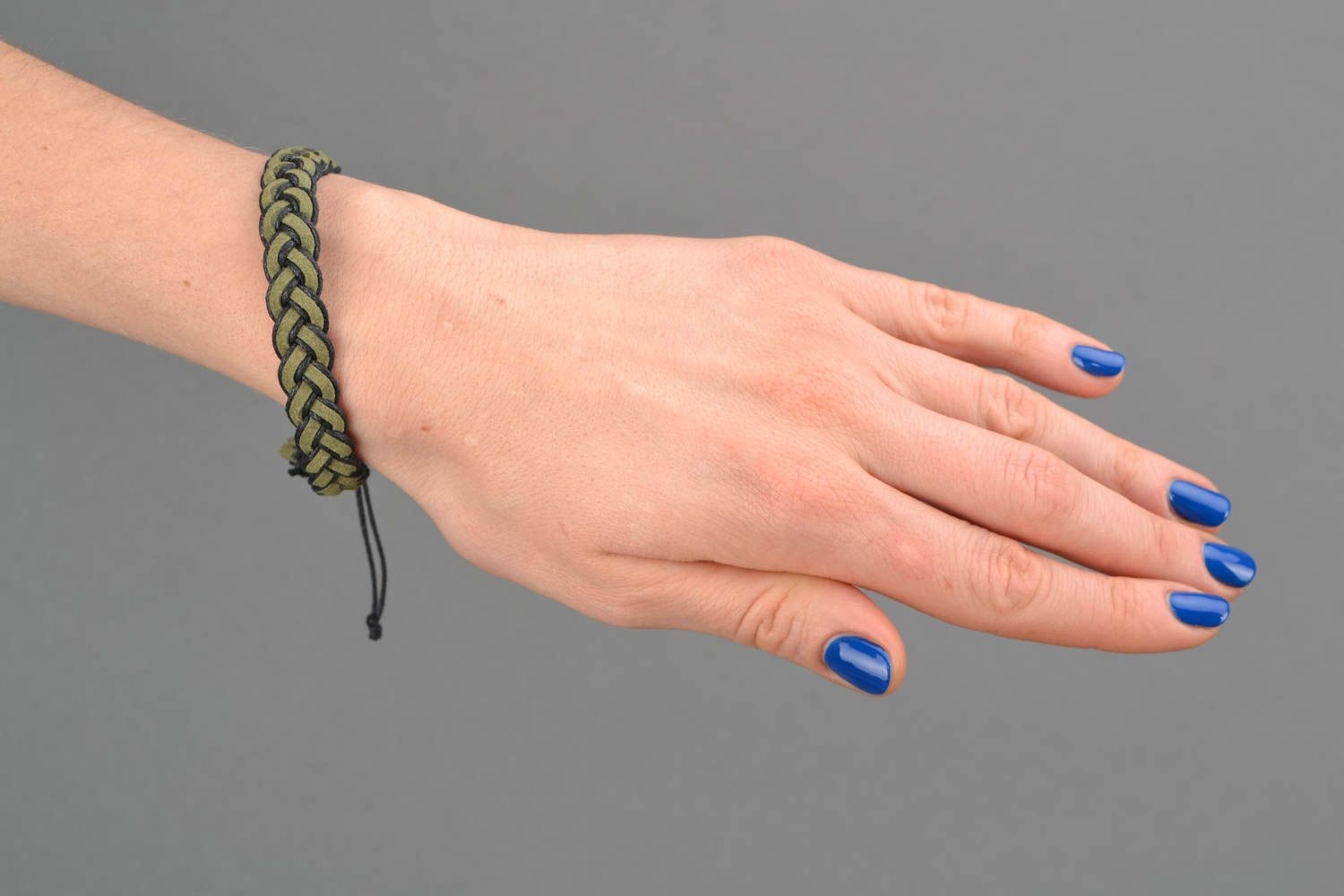 Green woven natural suede bracelet photo 2