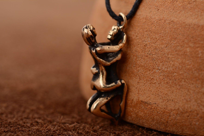 Оригинальный кулон из бронзы Камасутра фото 1