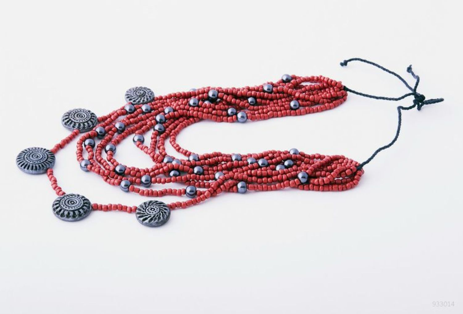 Necklace made of beads photo 4