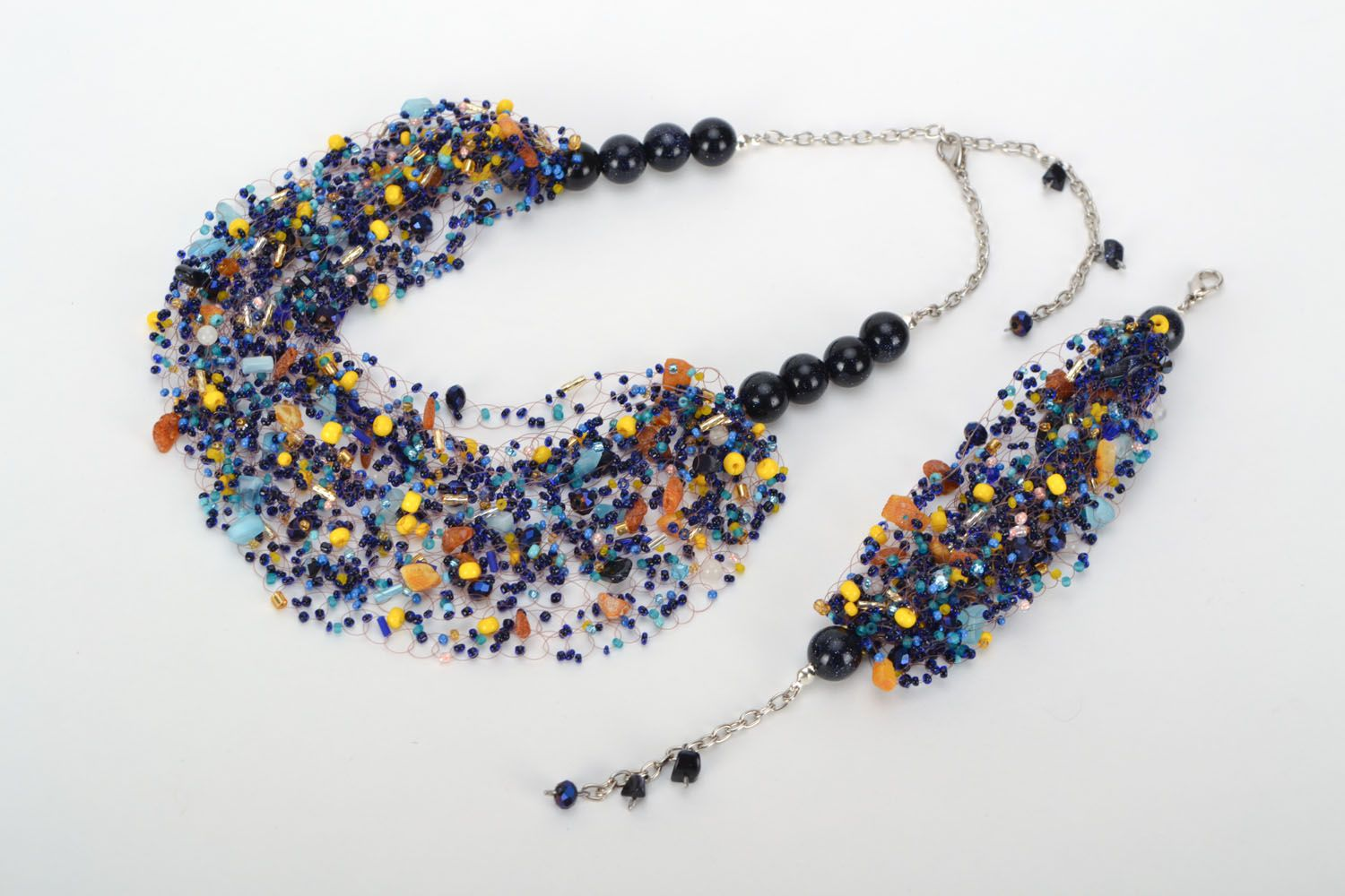 Set of jewelry with natural stones photo 2