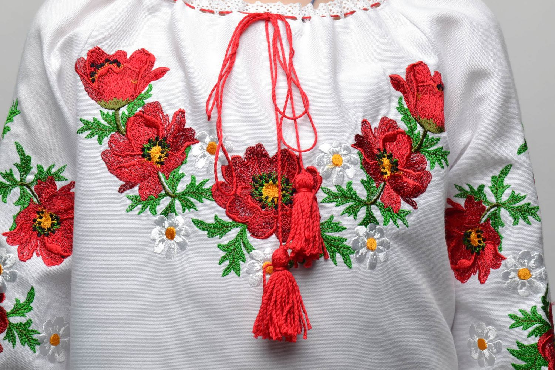 Вышивка на одежде: многообразие тканей
