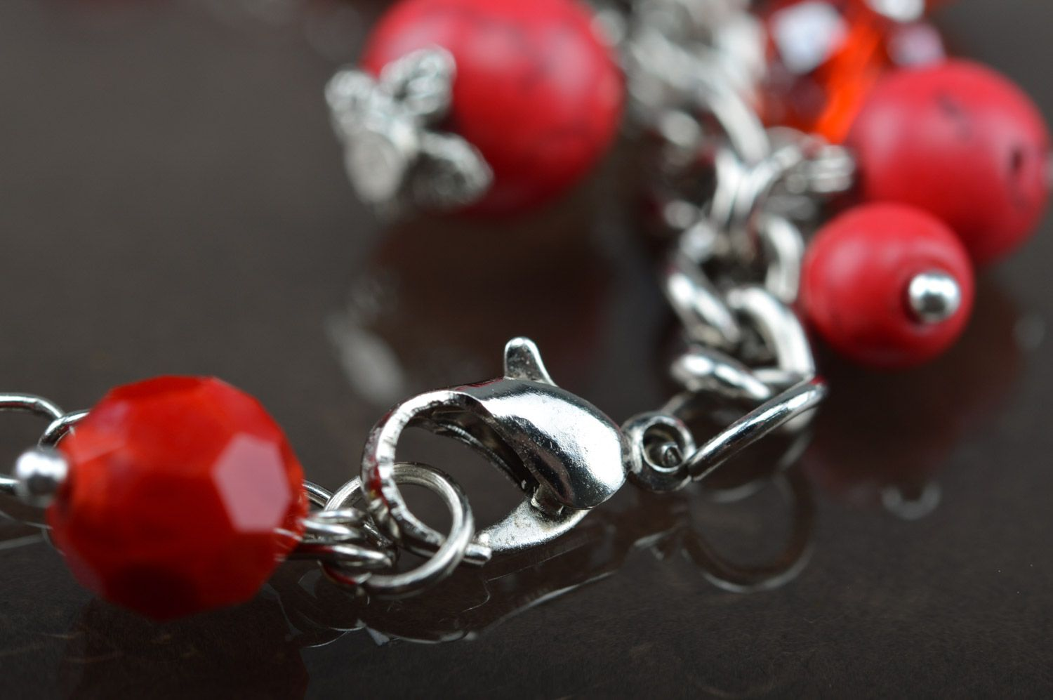 Handmade red thin wrist bracelet on chain with turquoise beads photo 4
