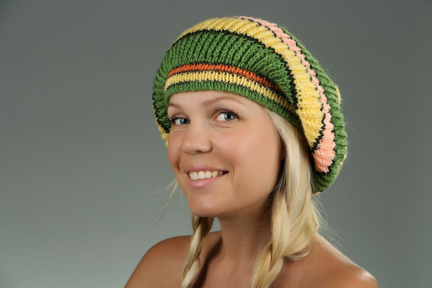 American knitted green & yellow beret photo 3