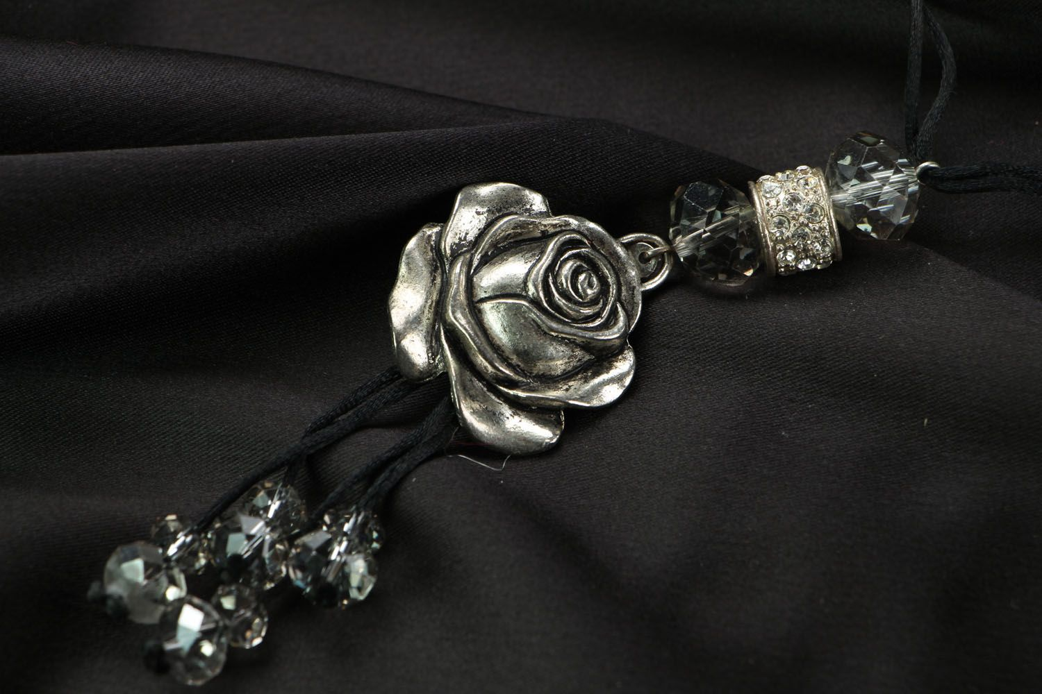 Pendant in the shape of rose photo 3