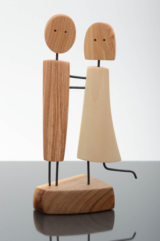 madeheart statuette en bois fait main objet design bois. Black Bedroom Furniture Sets. Home Design Ideas