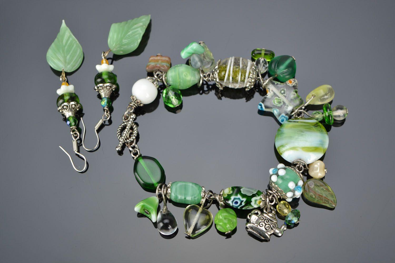Set of glass jewelry photo 1