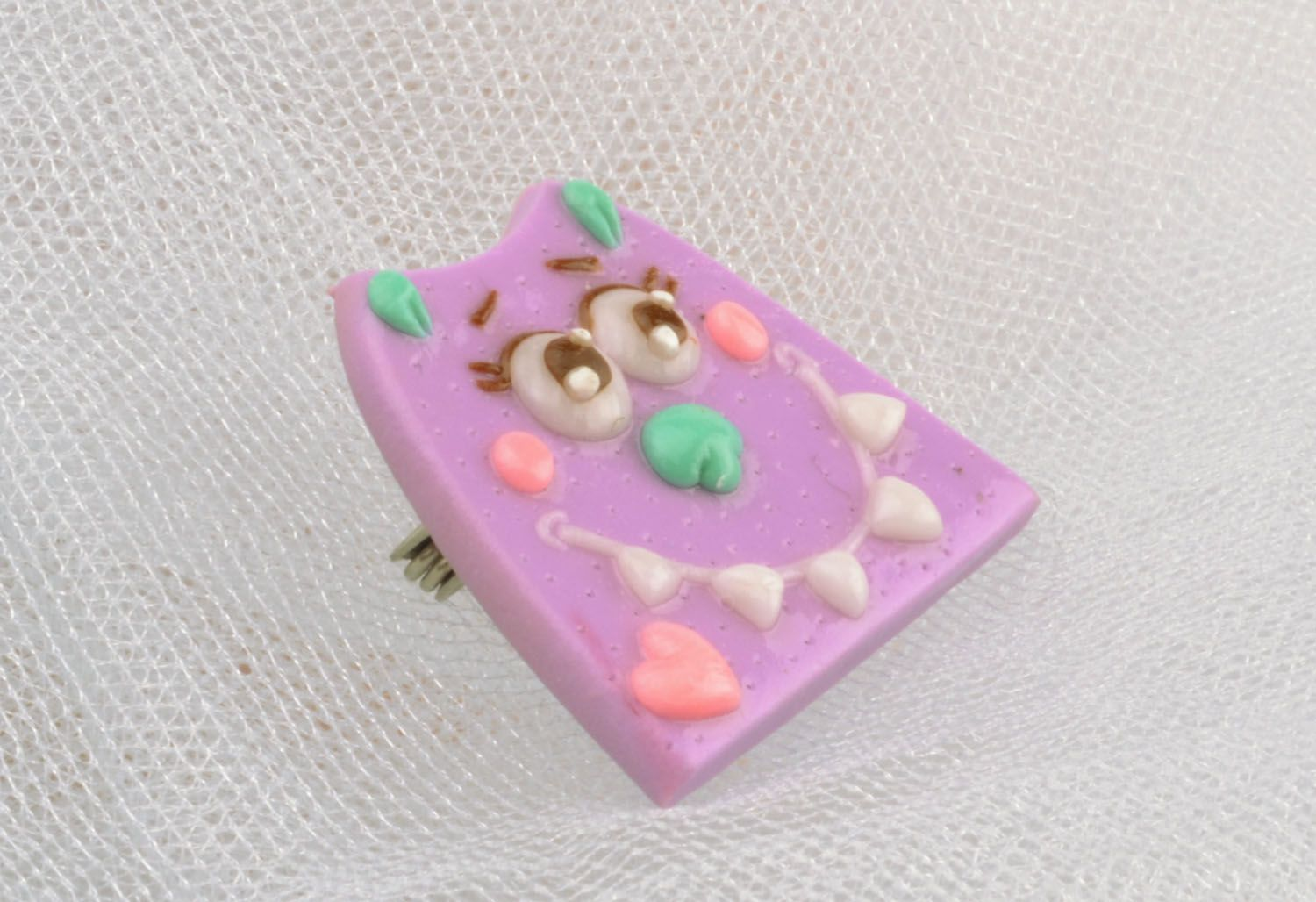 Cat-shaped polymer clay brooch photo 1