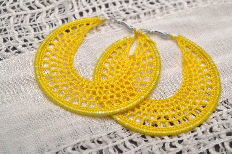 Crocheted round earrings photo 1