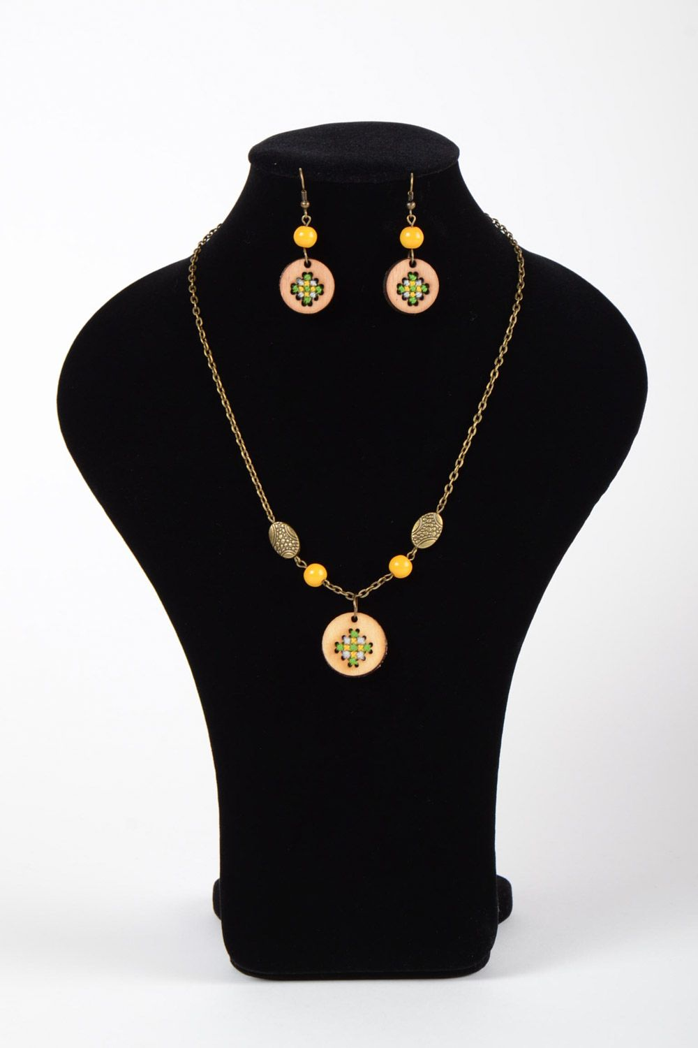 Handmade plywood jewellery round earrings and pendant with embroidery in ethnic style photo 2