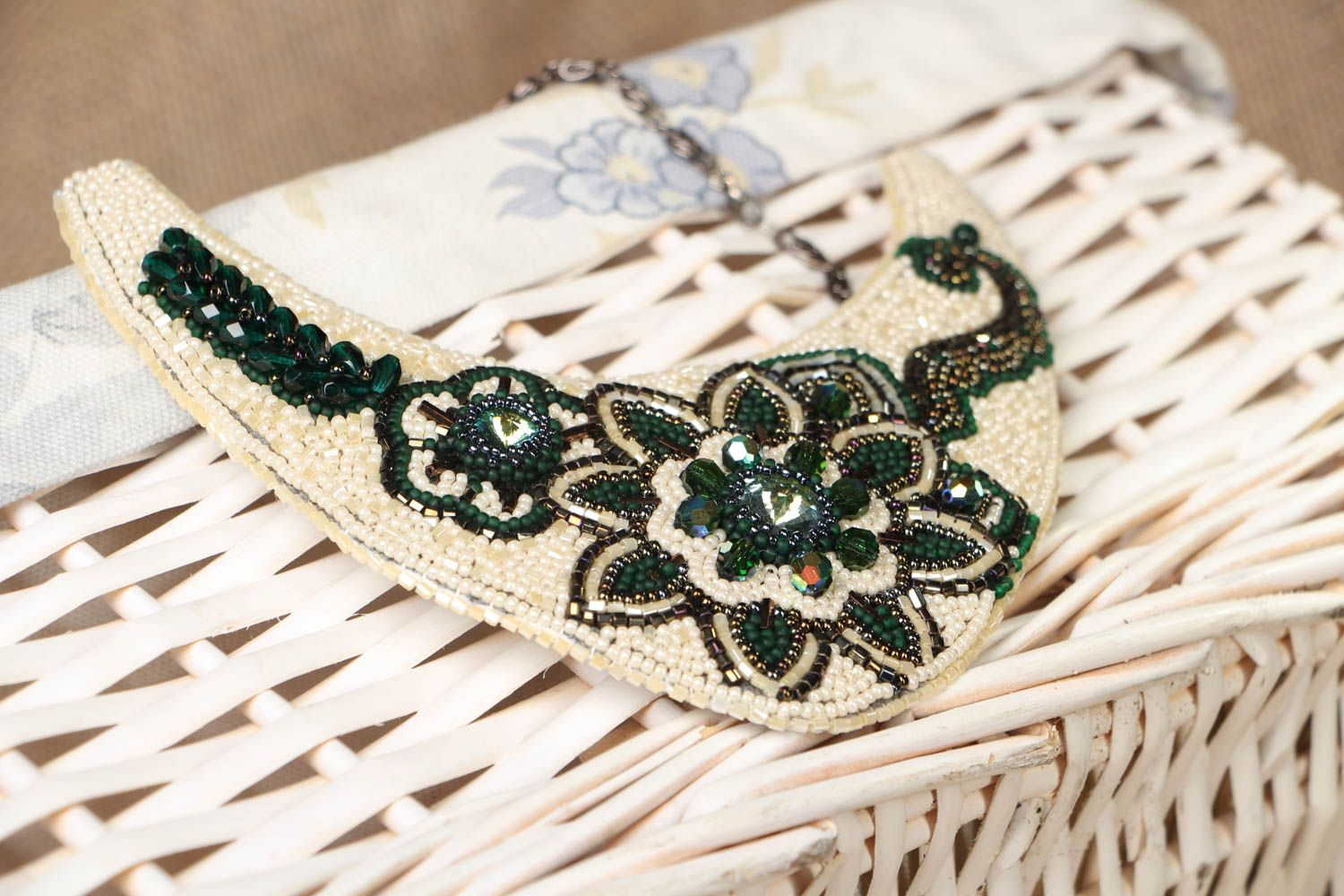 Beaded necklace with embroidered flowers Latika photo 4