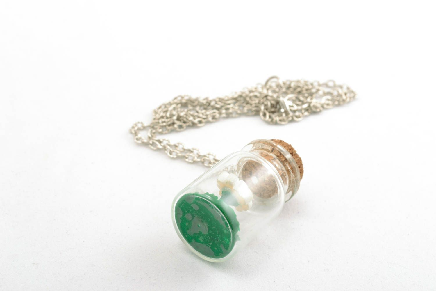 Pendant with a long chain photo 3