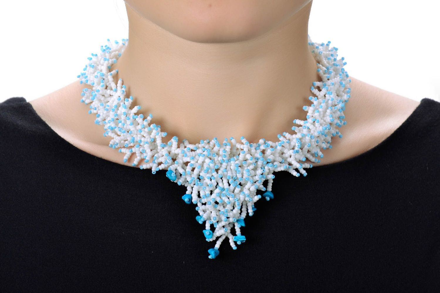 Beaded necklace White Corals photo 5