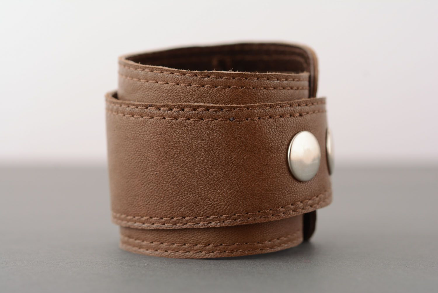 Brown leather bracelet photo 2