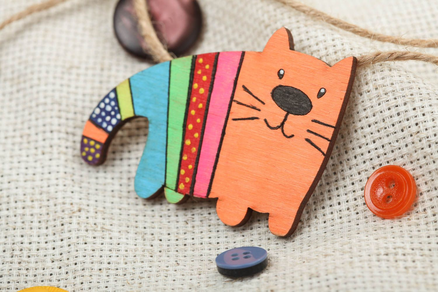 Plywood painted acrylic brooch in the form of bright cat handmade accessory photo 1