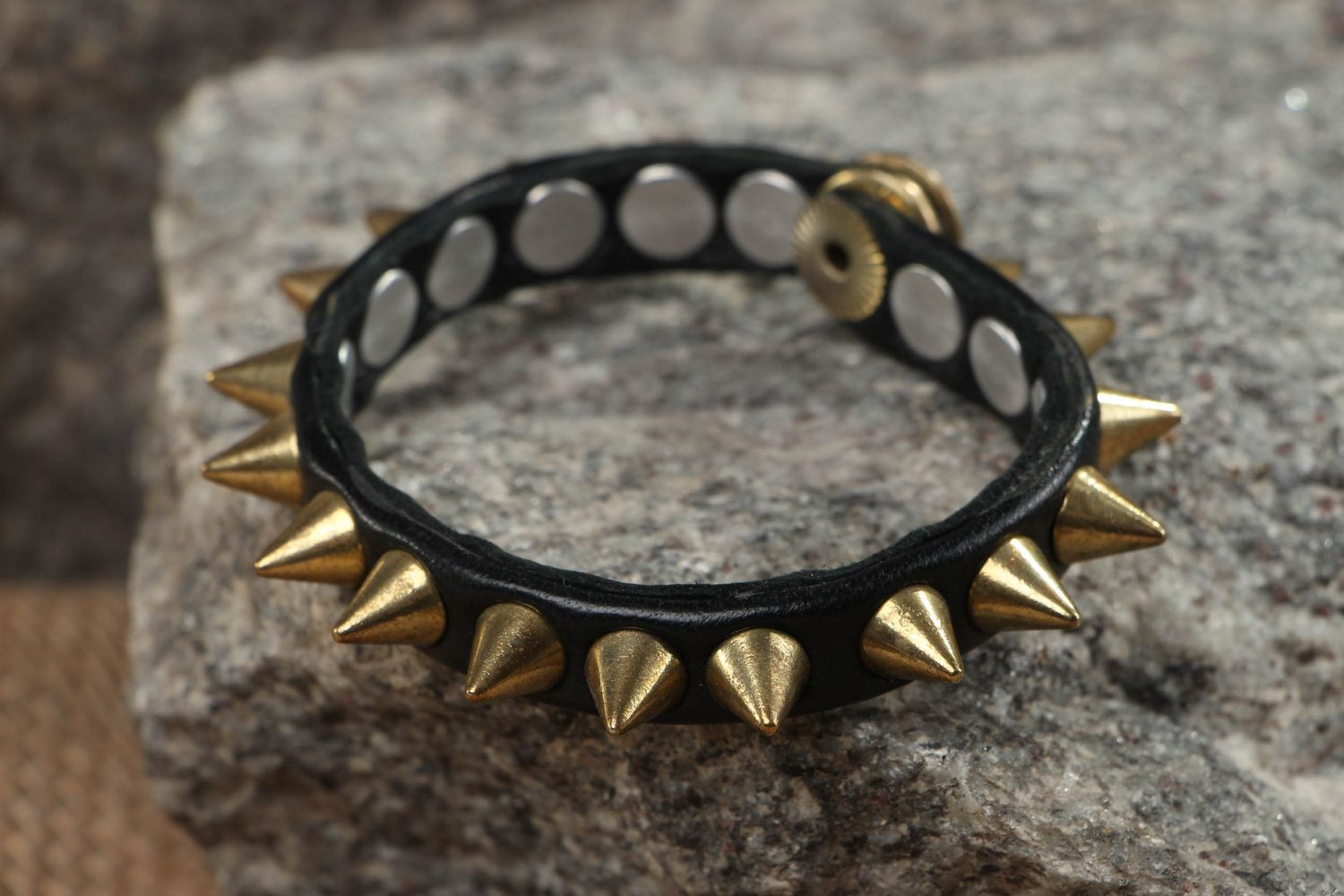 Thin leather bracelet with spikes photo 5