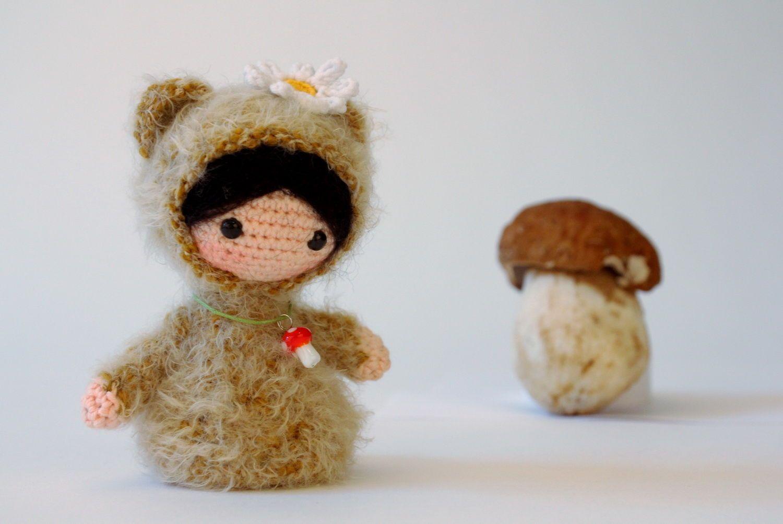 Игрушка вязаная Девочка-мишка фото 1