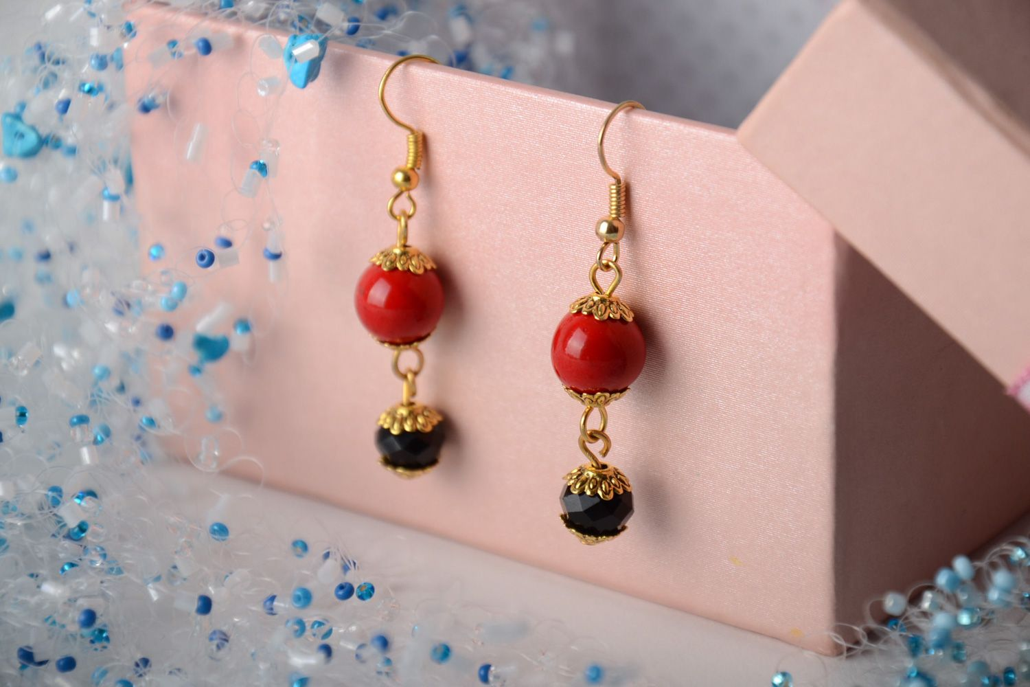 Handmade dangle earrings with artificial coral and faceted beads red and black photo 1
