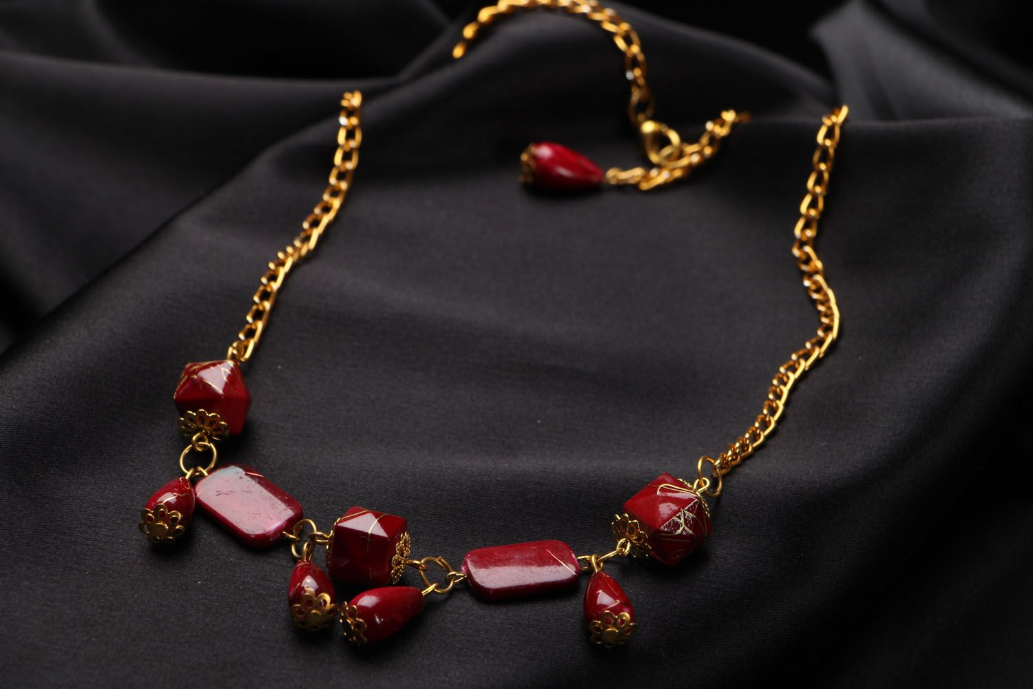 Necklace with beads photo 3
