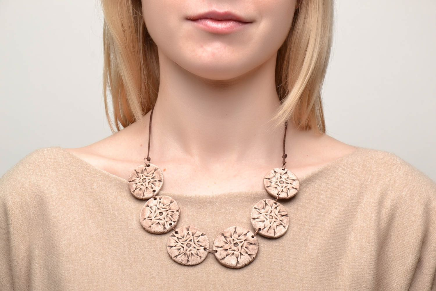Ceramic necklace with ethnic ornaments photo 2