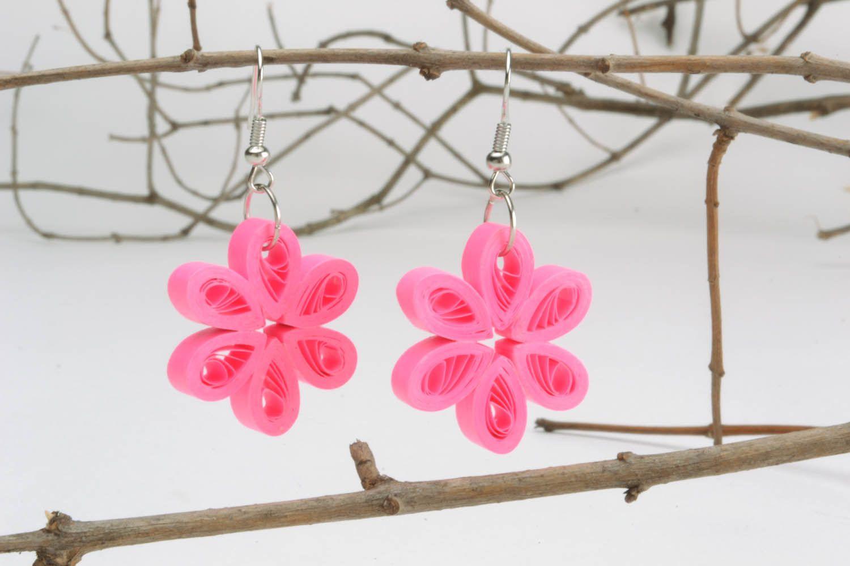 Flower-shaped paper earrings photo 1