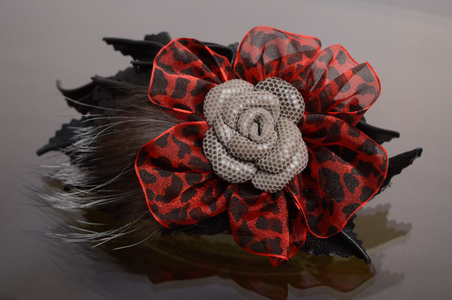 Leather hair clip with fur photo 1