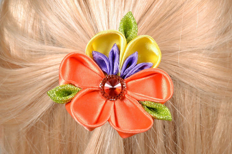 Kanzashi flower scrunchy photo 1