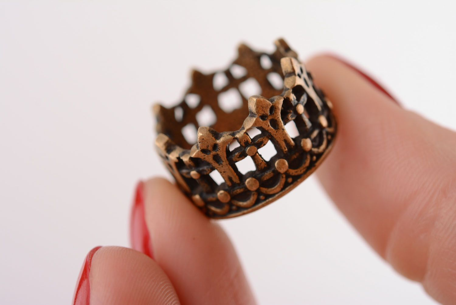 Crown-shaped bronze ring photo 4