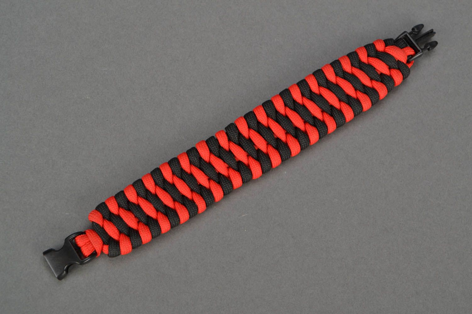 Red-black parachute cord bracelet photo 4