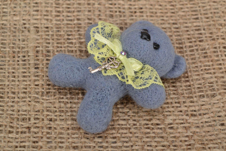Woolen brooch Bear photo 1