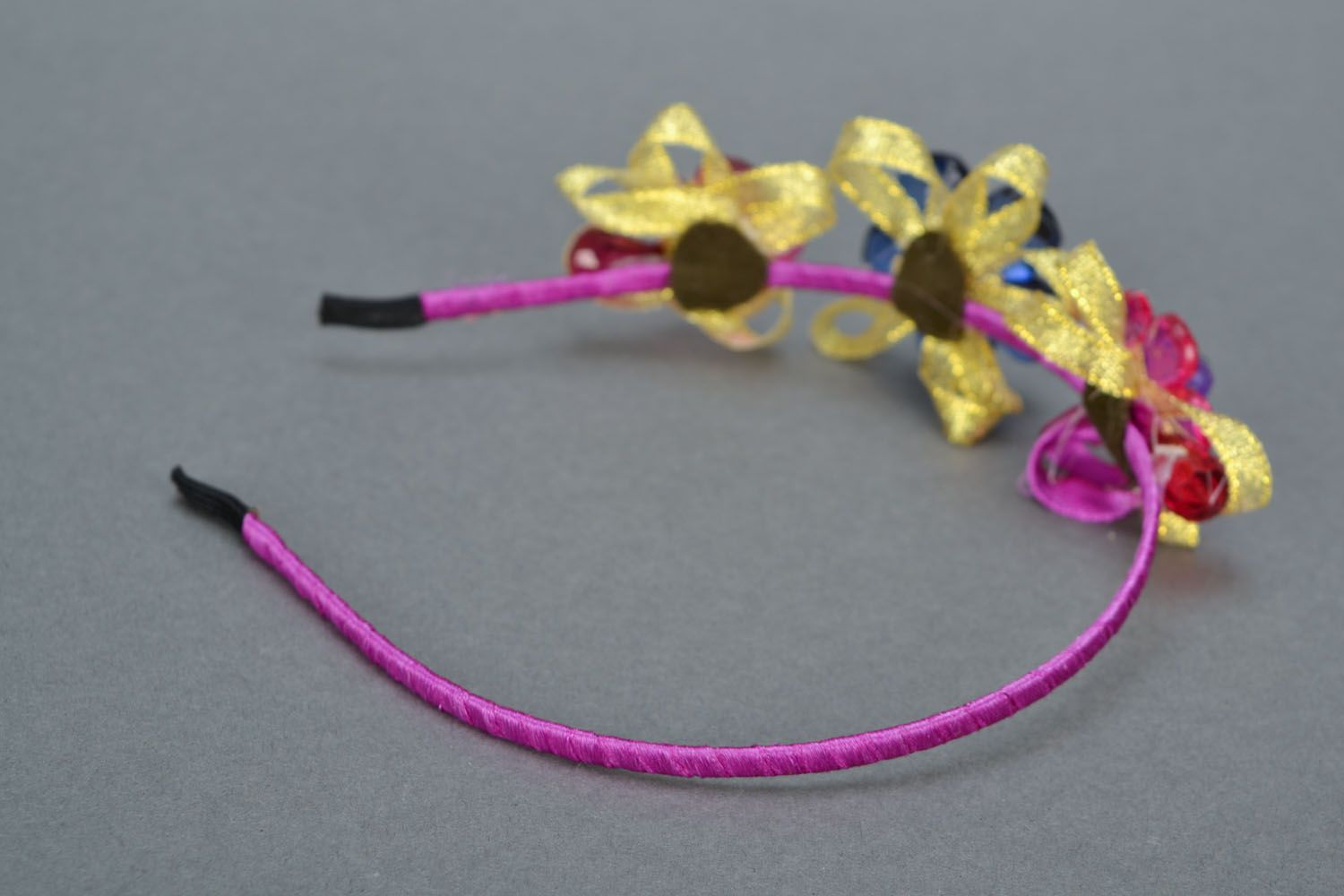 Hair band with flowers  photo 5