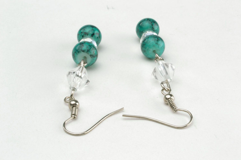 Lange Ohrringe mit Glasperlen foto 4