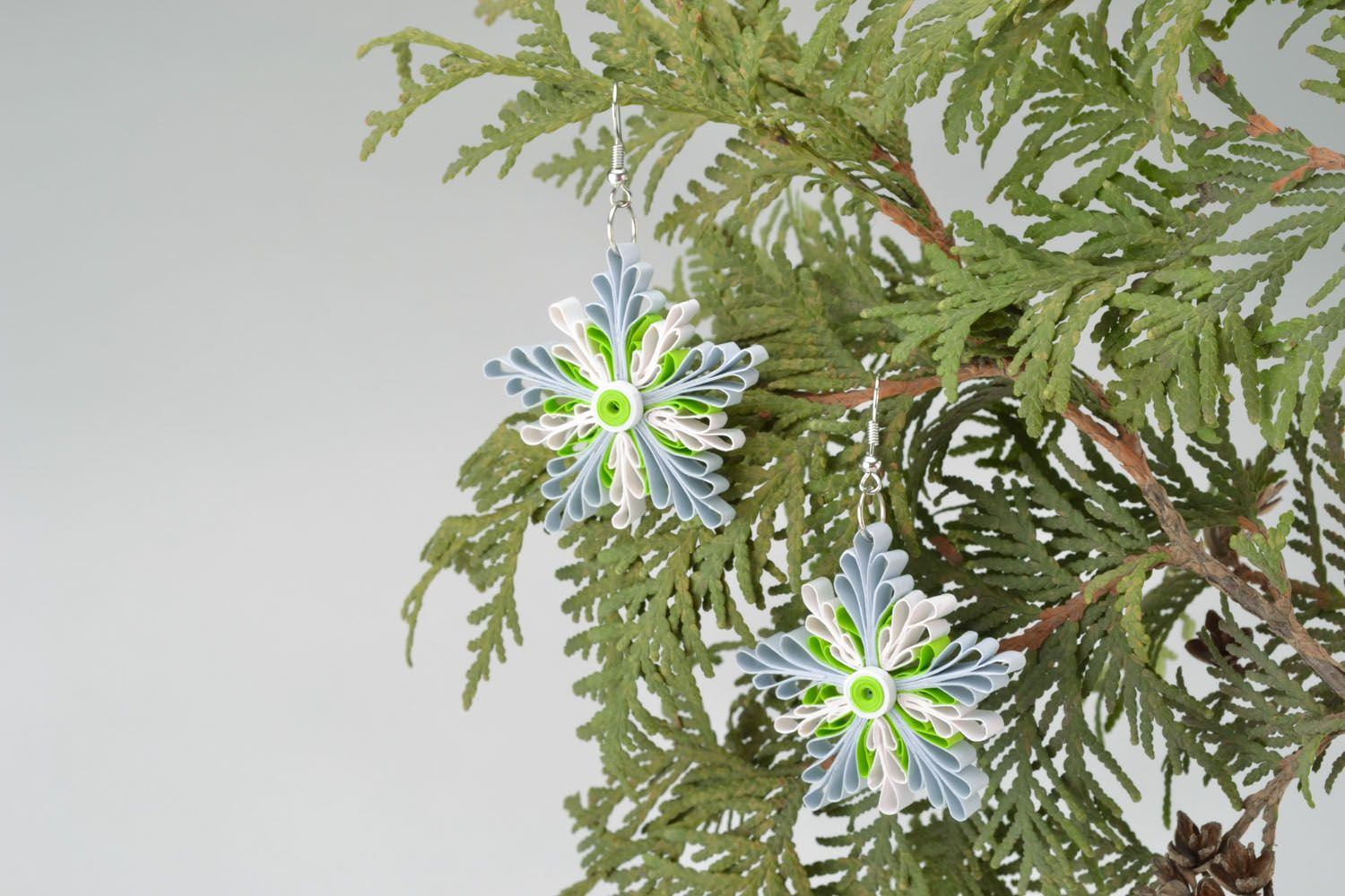 Quilling snowflake earrings photo 5