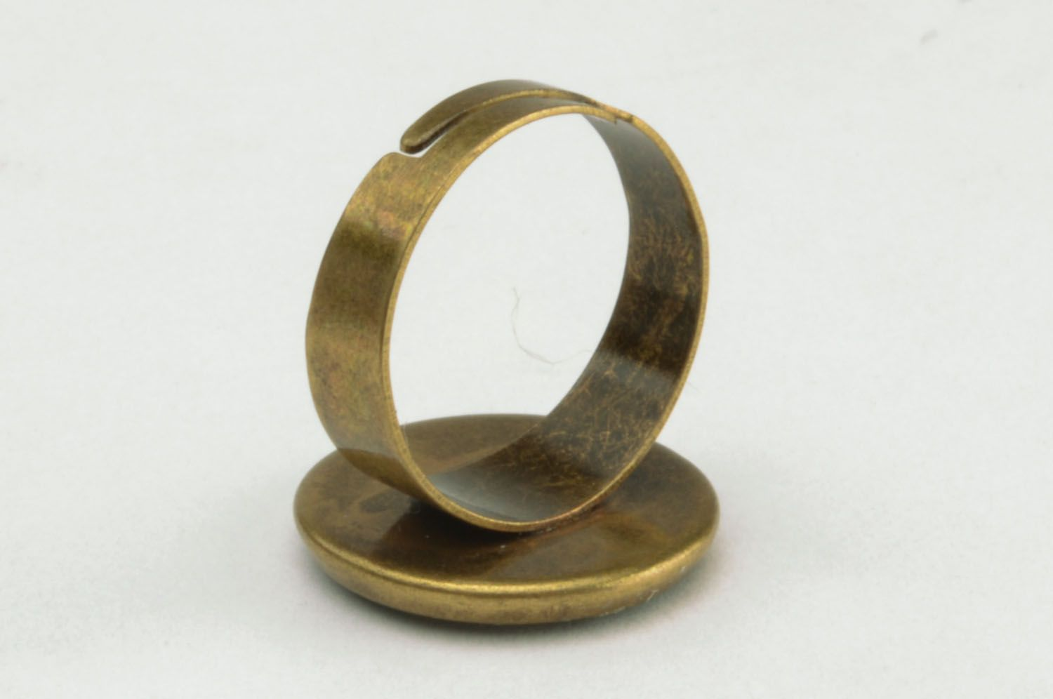 Ring with epoxy resin photo 4