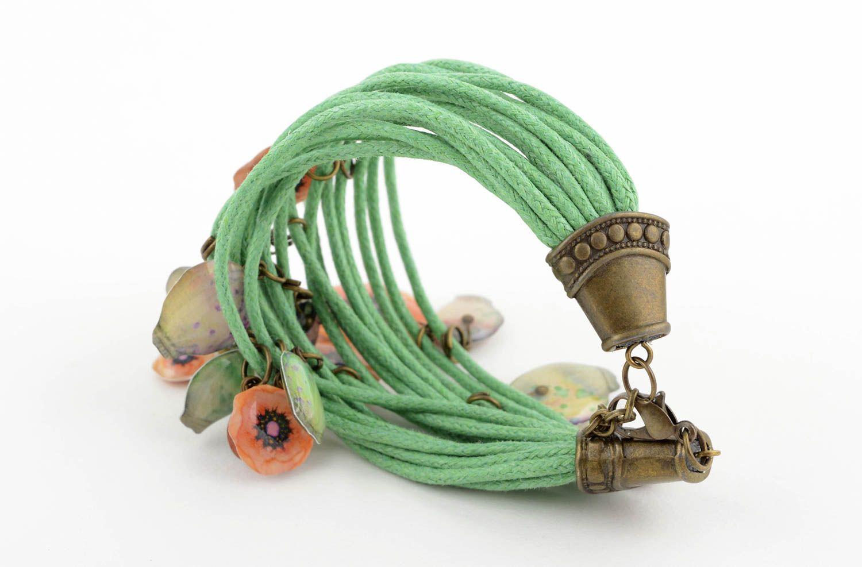 bracelets à breloques Bracelet tendance Bijou fait main vert en lacets avec breloques Cadeau femme - MADEheart.com