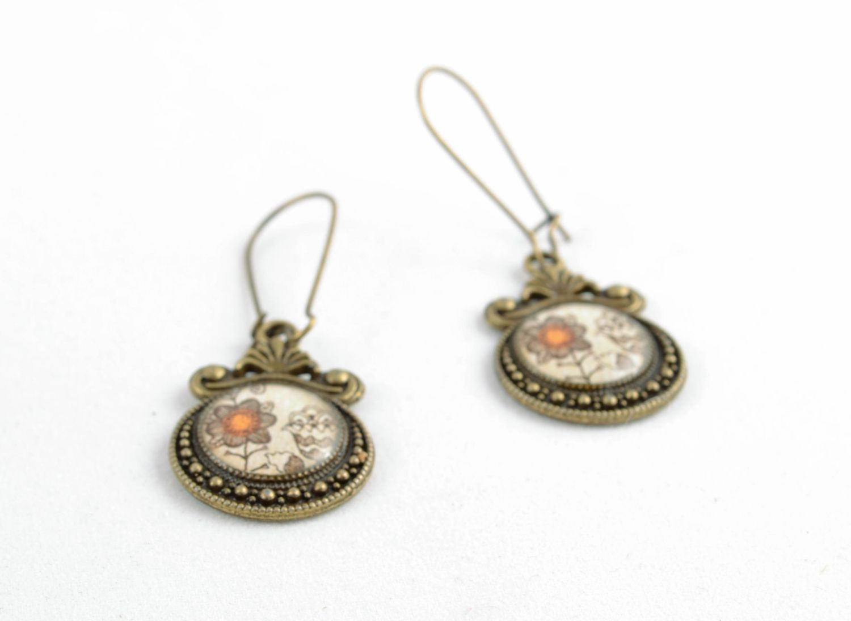 Round decoupage epoxy earrings photo 2