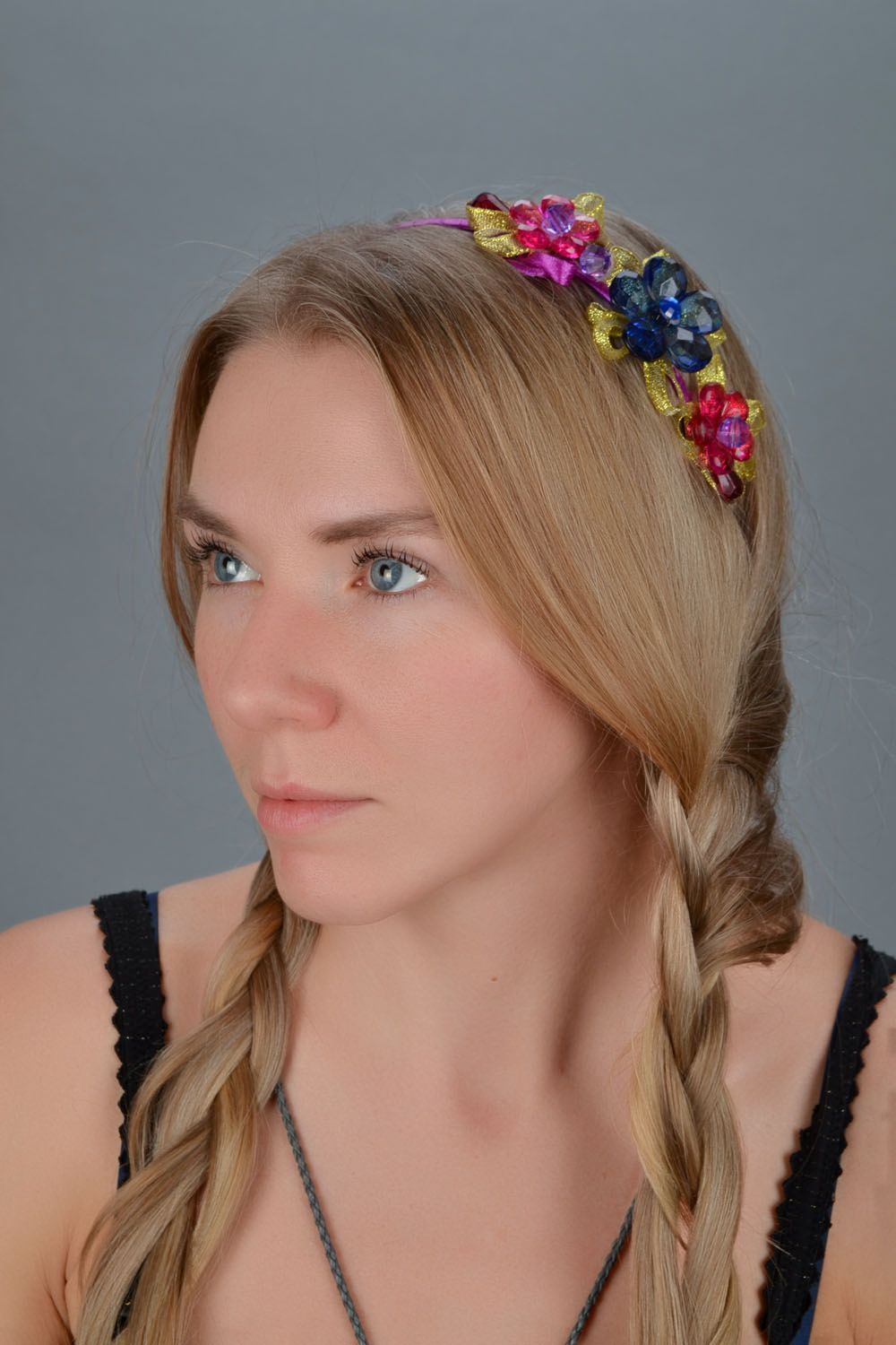 Hair band with flowers  photo 1