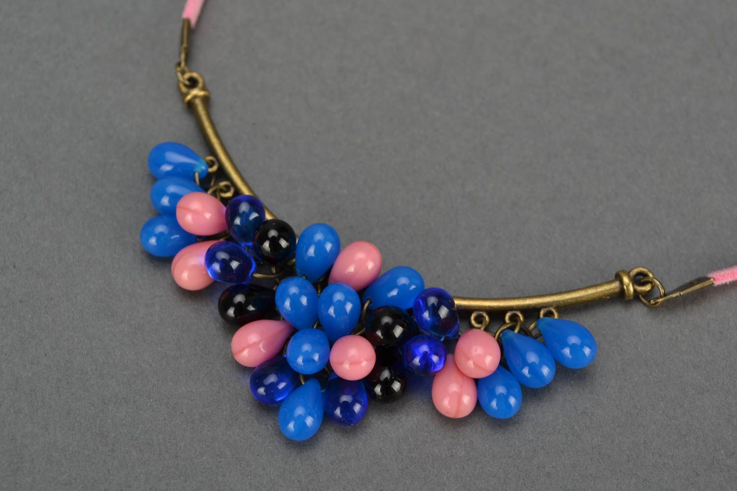 Handmade women's necklace with bright glass beads on suede pink cord photo 3