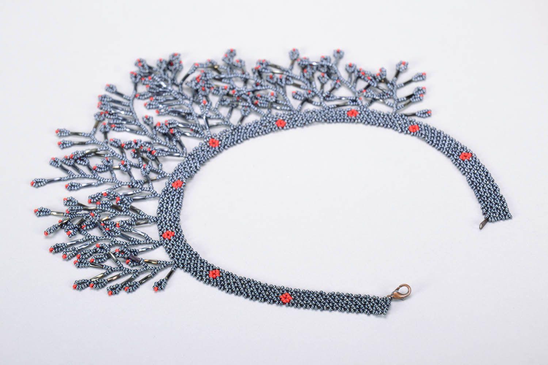 Gray beaded necklace photo 3