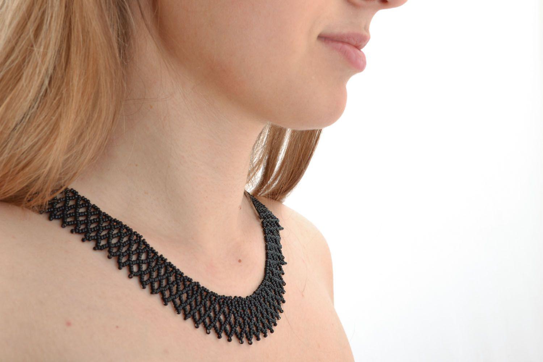 Black beaded necklace photo 5