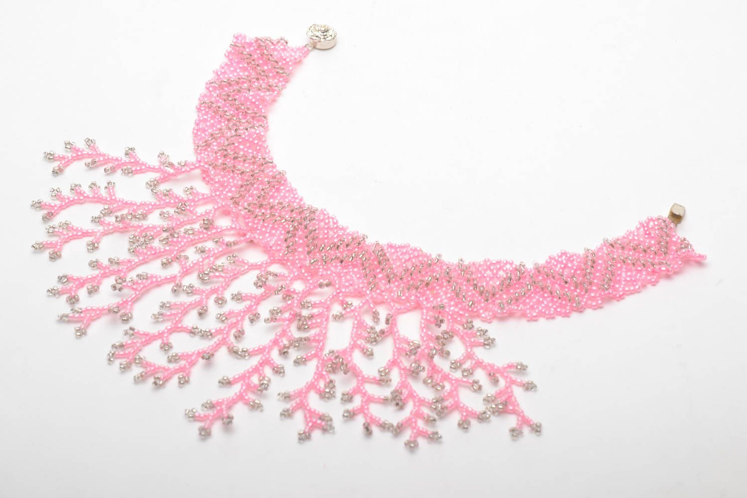 Pink beaded necklace photo 3